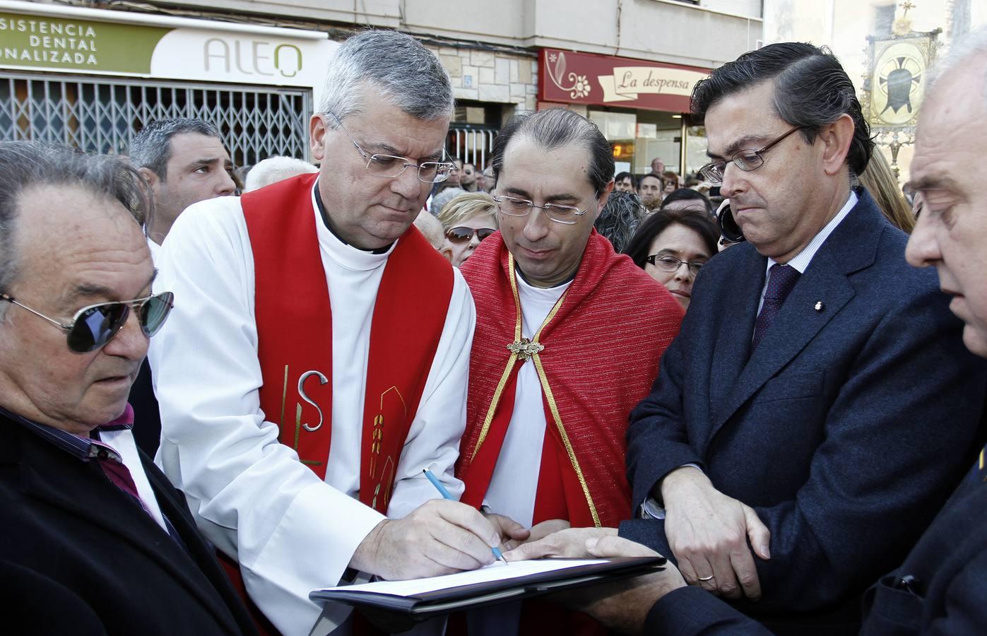 Cientos de personas toman parte en la peregrinación del 525 aniversario de la Santa Faz