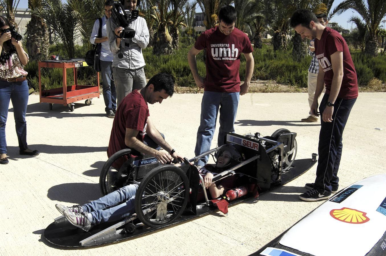 Presentación de un coche híbrido fabricado por los alumnos de la UMH