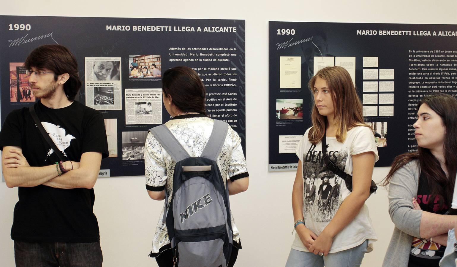 Inauguración de la exposición de Mario Benedetti en la UA