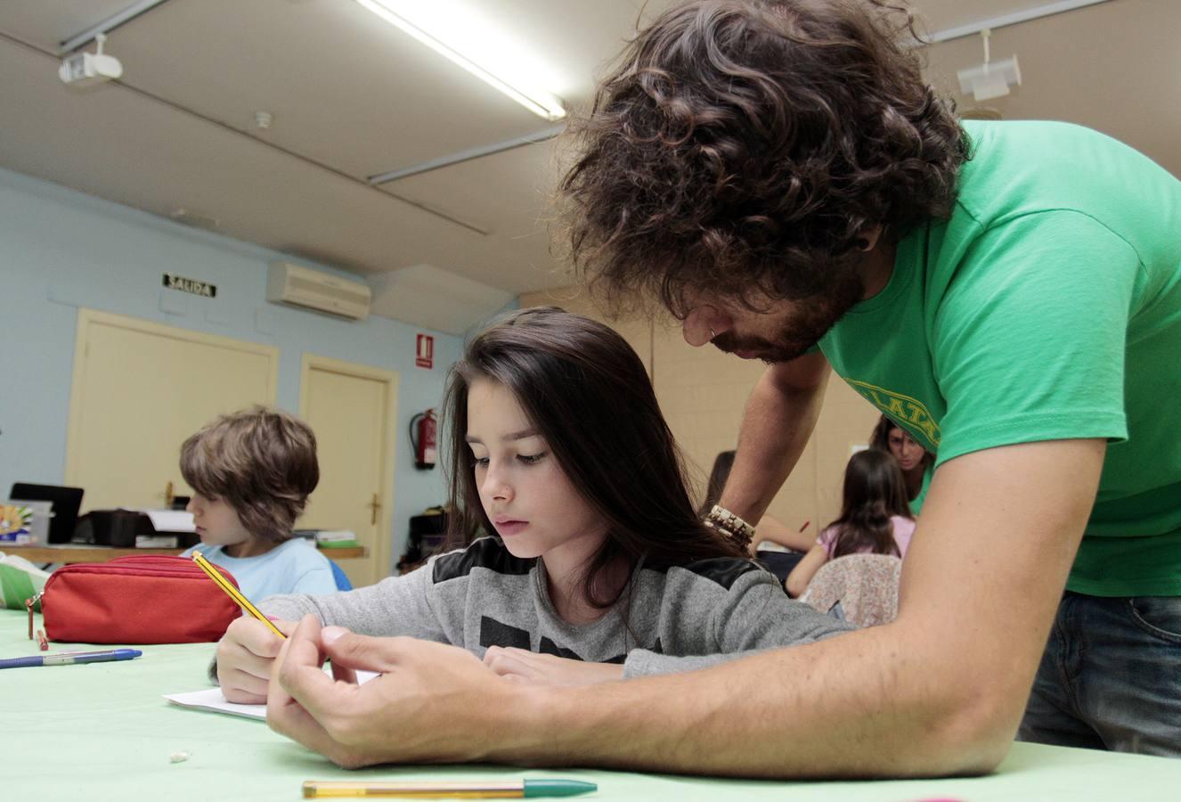 'Los Miserables' muestra la escuela itinerante de los niños que participan en el montaje