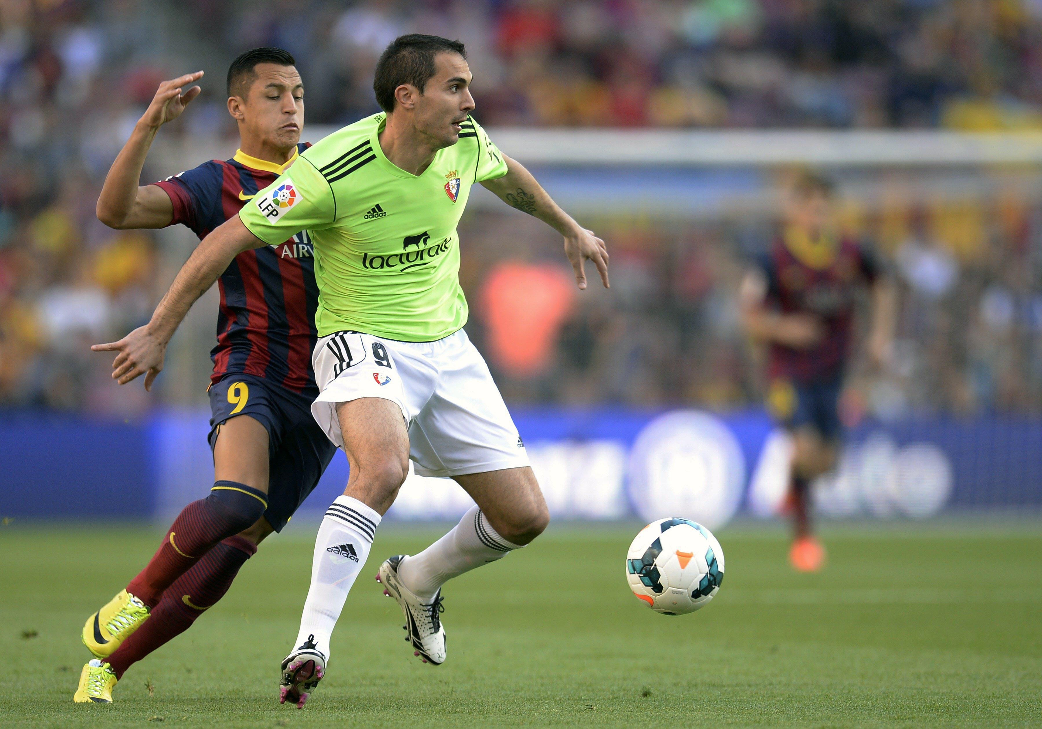 El Barcelona golea a Osasuna