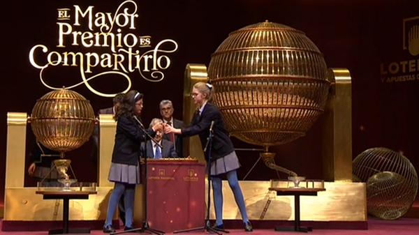 http://www.laverdad.es/loteriadenavidad/img/web/c7b113ab-934e-4d49-aa69-f2a7cff88955.jpg